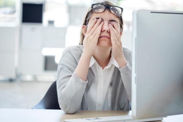 """現代病ともいえる""""目の疲れ""""を防ぐ対策-Manegyニュース   Manegy[マネジー]"""